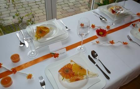 Mustertische Zur Hochzeit Mit Gastgeschenken Serviettenringen Und