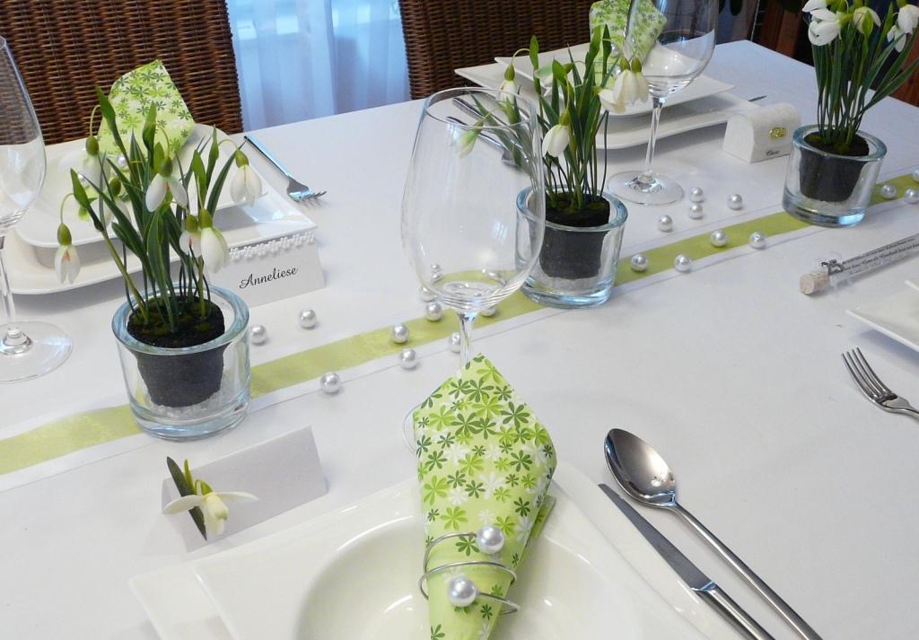 Tischdeko frühling grün  Mustertische Frühling. Tischdekoration Tischdeko-online