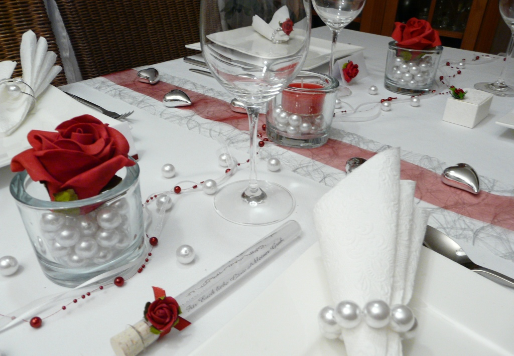 gastgeschenk reagenzglas glasr hrchen mit einer rose. Black Bedroom Furniture Sets. Home Design Ideas