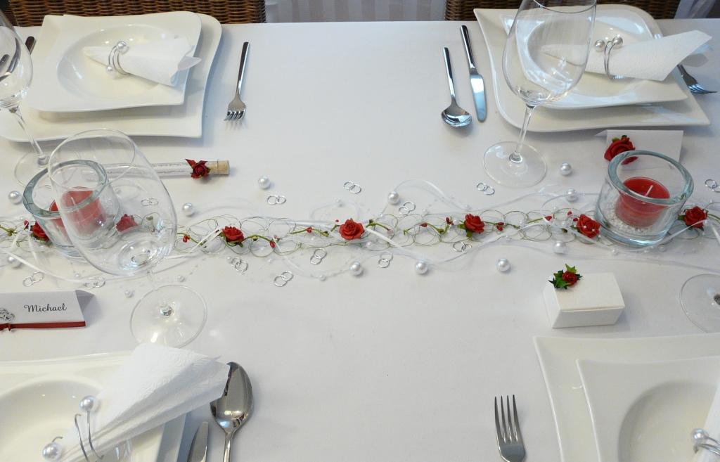 Gastgeschenk Truhe Mit Efeu Und Einer Rose