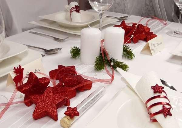 Tischdeko weihnachten gro e rote glitzersterne - Rote weihnachtsdeko ...